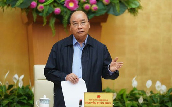 Prime Minister Nguyen Xuan Phuc urges every citizen to continue to observe the urgent measures implemented on social distancing