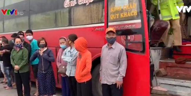 Hà Nội: Phát hiện xe khách chạy xuyên Việt giữa dịch COVID-19 - ảnh 2