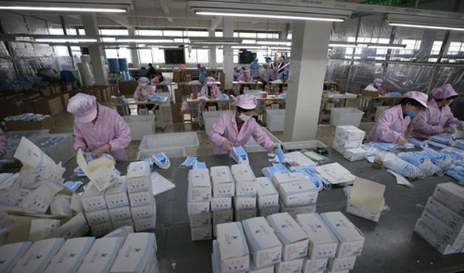 Trung Quốc thu được 1,4 tỷ USD từ xuất khẩu khẩu trang và thiết bị y tế - ảnh 2