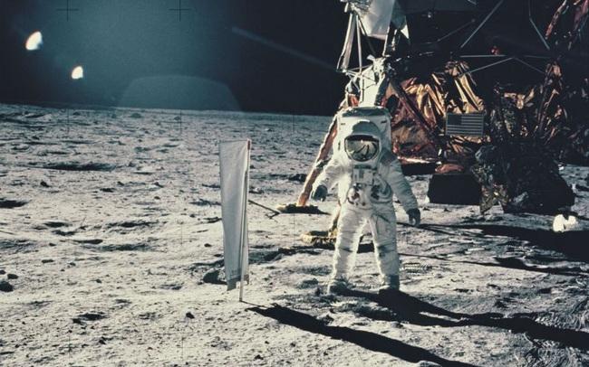 Phát hiện bất ngờ, nước tiểu người giúp xây bê tông trên Mặt Trăng - ảnh 2
