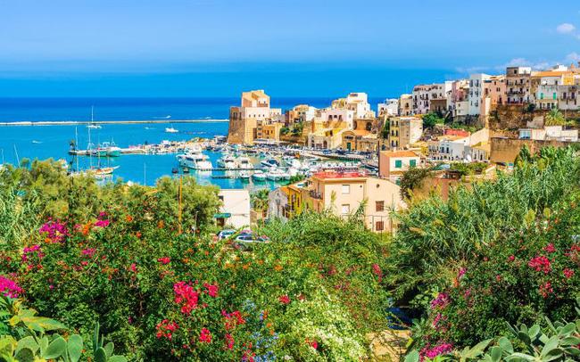 Hậu COVID-19, đảo Sicily (Italy) hỗ trợ nửa giá vé máy bay cho du khách - ảnh 3