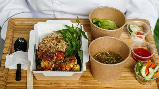 Many restaurants are coming up with innovative delivery options to attract customers amid COVID-19 outbreak (Photo credit: Luk Lak Vietnamese Restaurant)