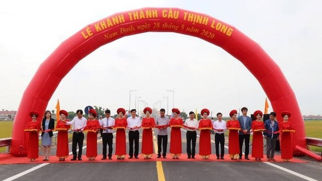 The inauguration ceremony of the Thinh Long Bridge