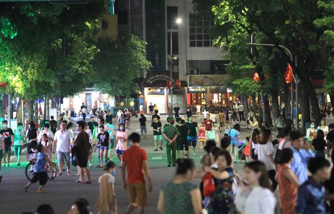 Ta Hien street in Hanoi