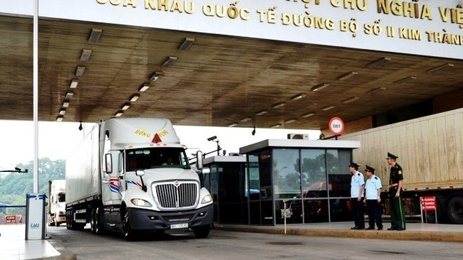 Trucks loaded with fresh lychee for the Chinese market have been given priority for customs clearance.
