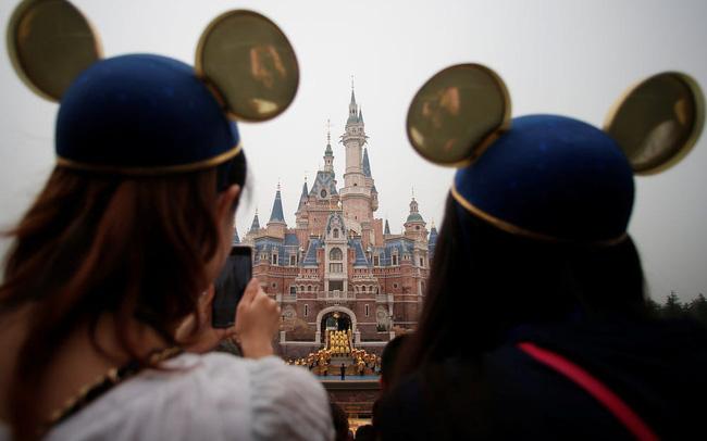 Chưa mở cửa trở lại, Disneyland Thượng Hải đã cháy vé - ảnh 3