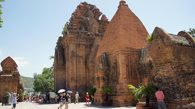 Ponagar Tower is an attractive destination in Nha Trang city, Khanh Hoa province.