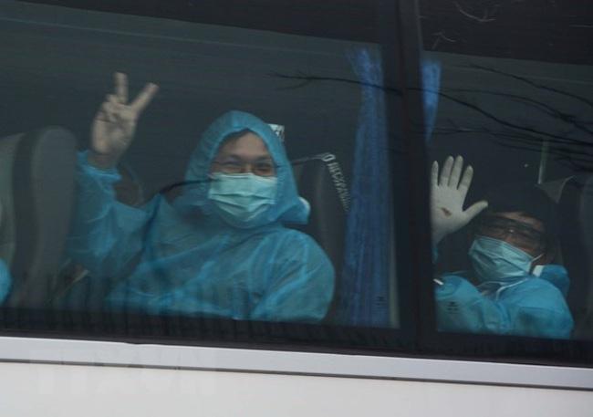 Passengers flown home from Myanmar by Vietjet (Source: VNA)