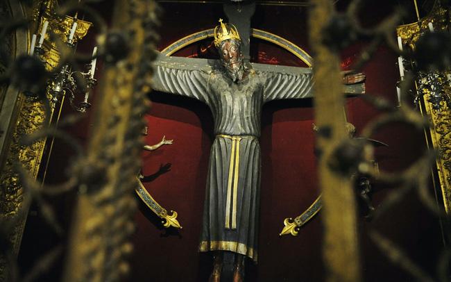 Bức tượng gỗ lâu đời nhất châu Âu bị hiểu nhầm là bản sao suốt hàng nghìn năm - ảnh 3