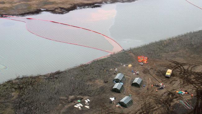 Hơn 20 nghìn tấn dầu tràn ra sông, Nga tuyên bố tình trạng khẩn cấp - ảnh 2