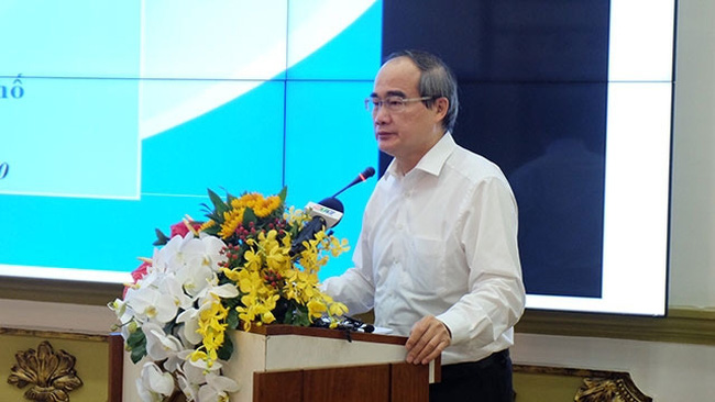 Secretary of Ho Chi Minh city's Party Committee Nguyen Thien Nhan speaking at the event