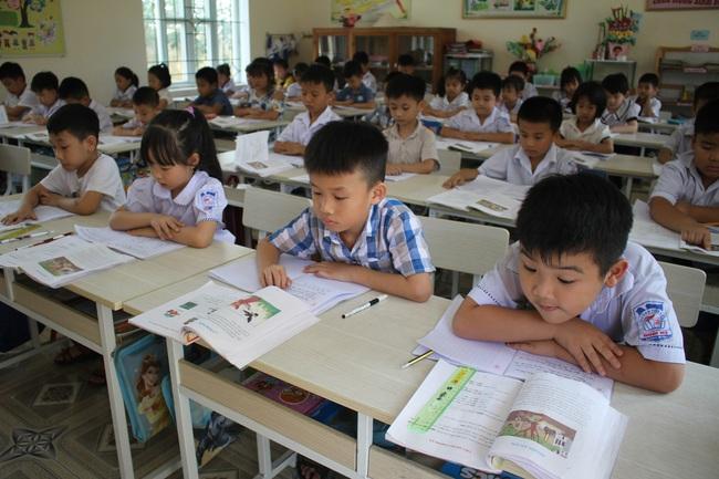 Hơn 50% phụ huynh Thủ đô đăng ký thành công cho con vào lớp 1 trong ngày đầu tuyển sinh trực tuyến - ảnh 2