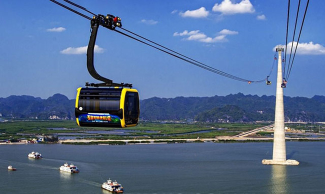 The cable car system to Cat Ba Island