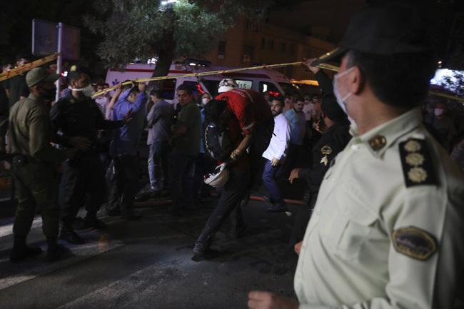 Nổ lớn tại phòng khám ở Iran, 19 người thiệt mạng - ảnh 7