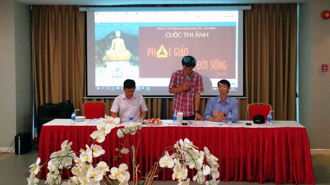 The press conference on the photo contest. (Photo: NDO/Ngu Thien)