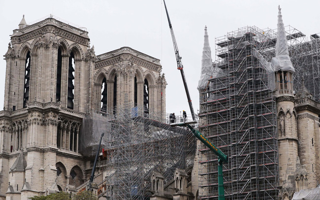 Bỏ qua hàng trăm thiết kế mới, Nhà thờ Đức Bà vẫn sẽ được phục hồi theo hình dáng ban đầu - ảnh 2