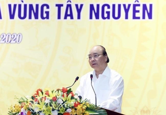 PM Nguyen Xuan Phuc speaks at the meeting. (Photo: VNA)