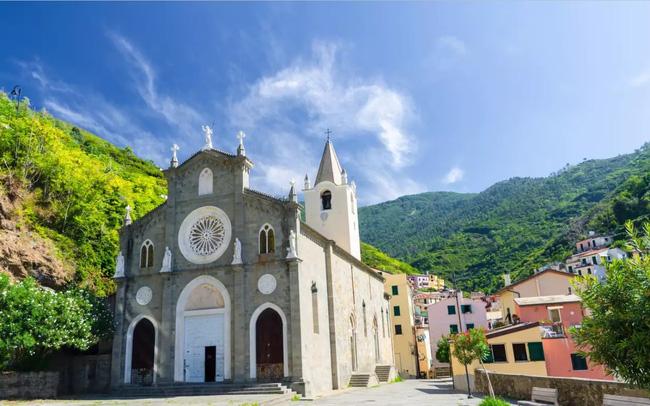 Thu hút du lịch hậu COVID-19, ngôi làng đẹp như tranh vẽ tại Italy miễn phí chỗ ở cho du khách - ảnh 4