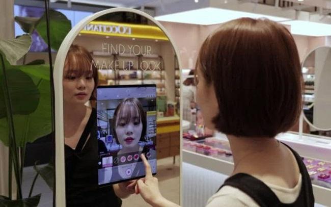 Độc đáo, thử mỹ phẩm bằng gương thực tế ảo tại Hàn Quốc - ảnh 3