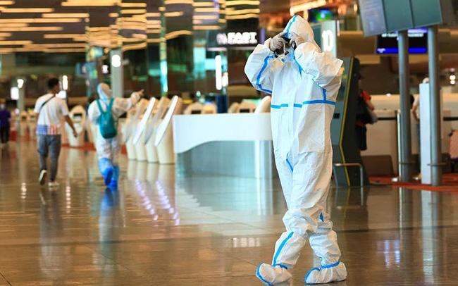 """Singapore dùng thiết bị điện tử để """"giám sát"""" du khách - ảnh 4"""