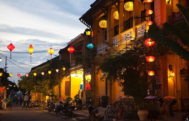 A corner of Hoi An at night (Photo: Getty Images)
