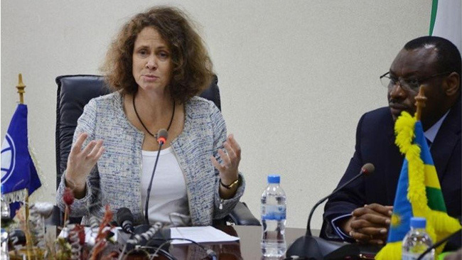 Carolyn Turk (left) has been appointed as the new World Bank Country Director for Vietnam.