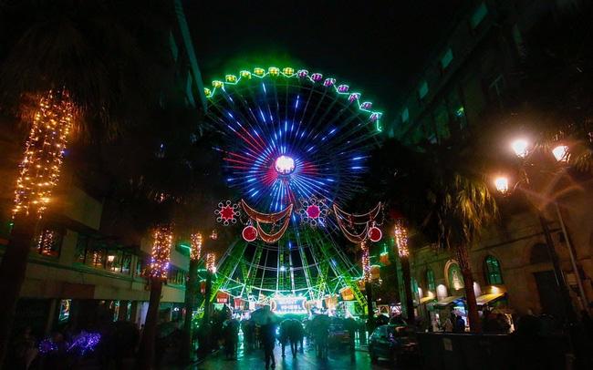 Đón Giáng sinh sớm với màn trình diễn ánh sáng lớn nhất thế giới - ảnh 4