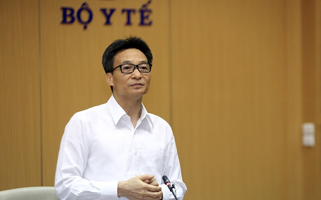 Deputy PM Vu Duc Dam speaks at the meeting. (Photo: VGP)
