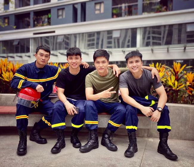 Lộ diện dàn lính cứu hỏa cực soái ca trong phim mới của VFC - ảnh 13
