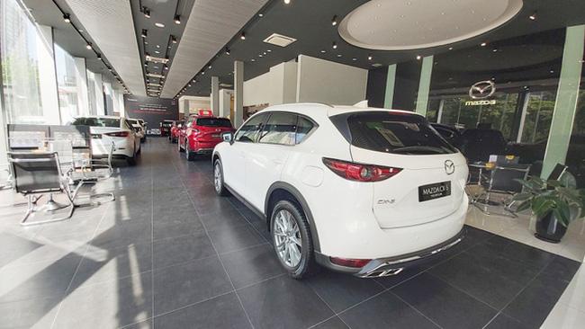 Giá ô tô đua nhau giảm: Xuống tiền mua ngay hay đợi sang năm? - ảnh 4