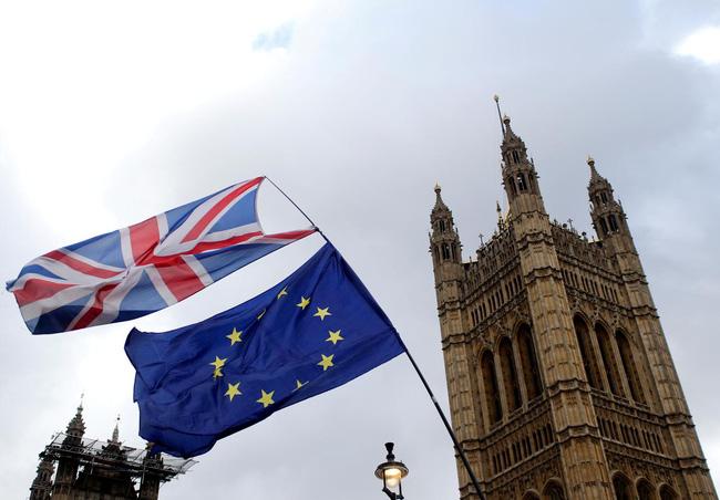 EU thông qua biện pháp đặc biệt đảm bảo thị trường tài chính hậu Brexit - ảnh 3
