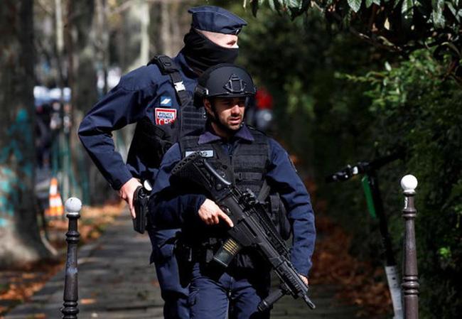 Bắt giữ 7 đối tượng liên quan đến vụ tấn công bằng dao tại Pháp - ảnh 2