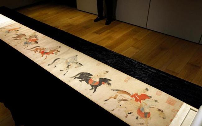 Chiêm ngưỡng tranh cuộn Trung Hoa 700 năm tuổi trị giá Hơn 213 tỷ VND - ảnh 3