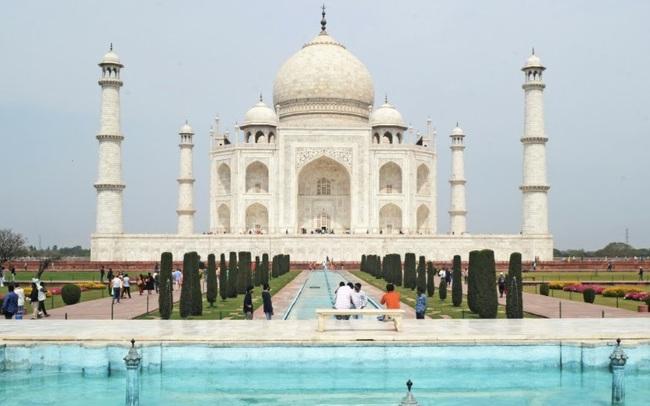 Taj Mahal mở cửa bất chấp số ca nhiễm COVID-19 tăng mạnh - ảnh 2