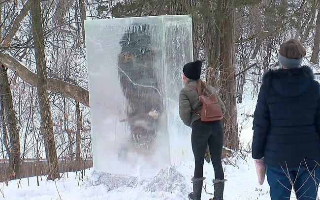 """""""Tượng băng người tối cổ"""" kỳ lạ trên núi tuyết - ảnh 5"""