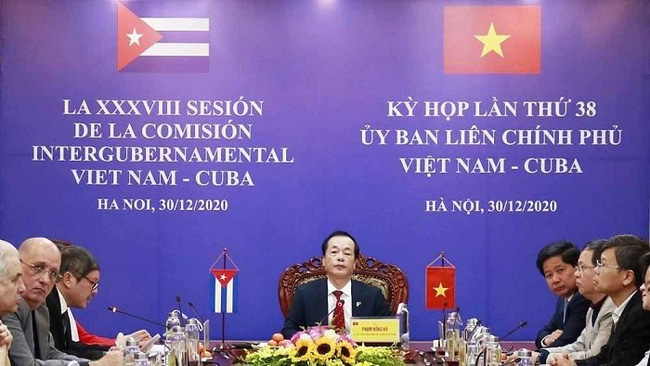 Minister of Construction Pham Hong Ha speaks at the event (Photo: baoxaydung.com.vn)