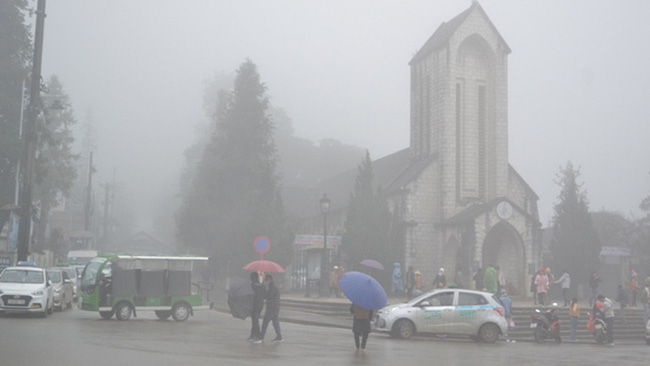 Fog is seen in Sa Pa Township, Lao Cai Province. (Photo: NDO/Quoc Hong)