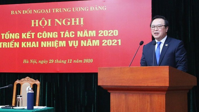 Head of the Party Central Committee's Commission for External Relations Hoang Binh Quan speaks at the event. (Photo: dangcongsan.vn)