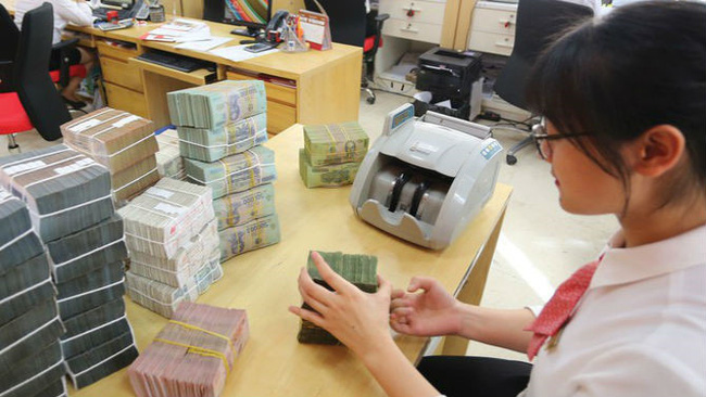 Nhiều ngân hàng lãi đột biến từ chứng khoán - ảnh 1