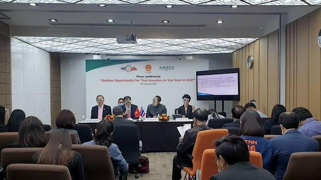 The press conference on the opportunity for Thai investors in Vietnam (Photo: Nam Dong)