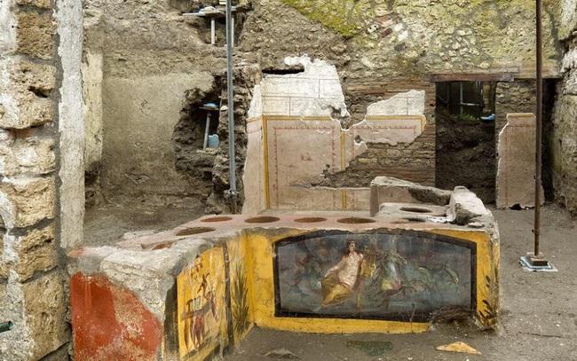Phát hiện quầy bar cổ đại gần 2000 năm tuổi - ảnh 3