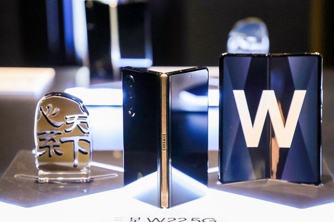 Samsung W22 5G - phiên bản Galaxy Z Fold3 dành riêng cho thị trường Trung Quốc - ảnh 4