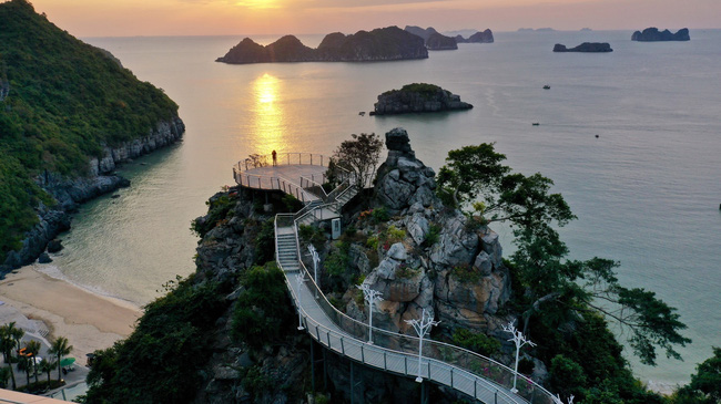 Vietnam's tourism sector is expected to recover soon. (Photo: VNA)