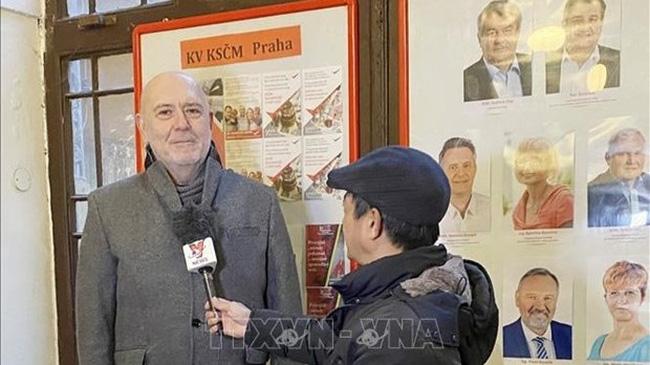 Leo Luzar, President of the Czech Republic-Vietnam Friendship Parliamentarians' Group, in an interview to Vietnam News Agency (Photo: VNA)