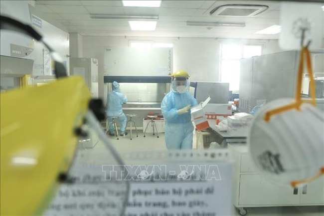 Inside a COVID-19 testing section of the Hanoi Centre for Disease Control. (Photo: VNA)