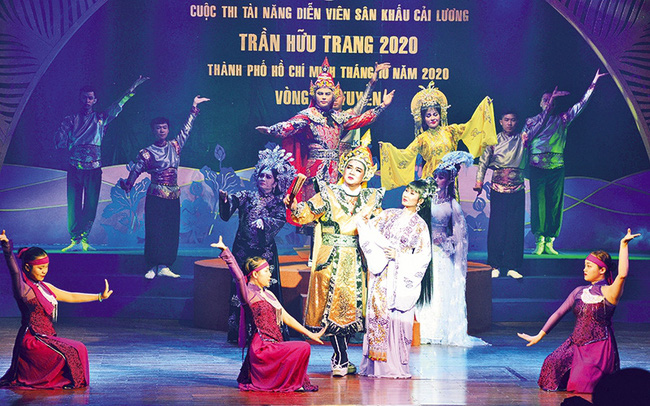 A performance at the Tran Huu Trang Contest for Talented Cai Luong (Vietnamese reformed opera) Performers 2020.