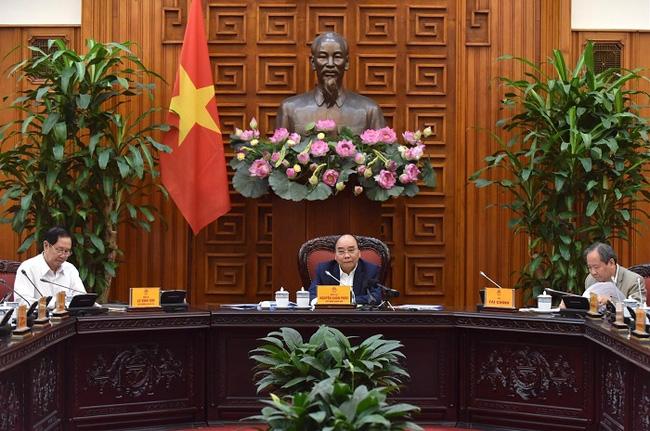 Prime Minister Nguyen Xuan Phuc chairs the meeting. (Photo: NDO/Tran Hai)