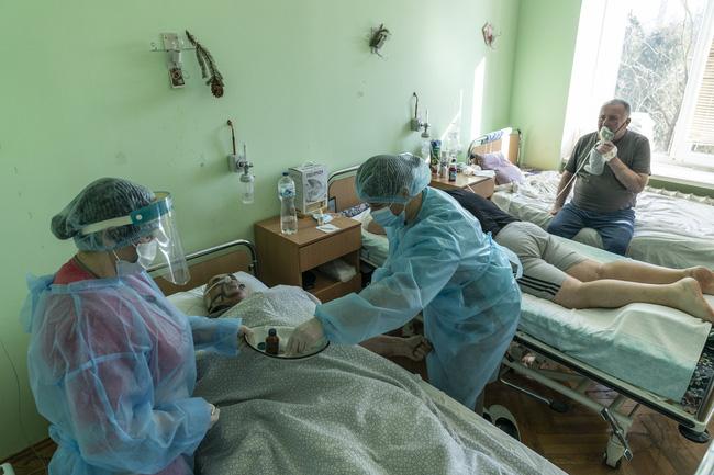 Thế giới ghi nhận hơn 116,9 triệu ca mắc COVID-19, WHO cảnh báo dịch bệnh có thể quay trở lại lần 3 - ảnh 3