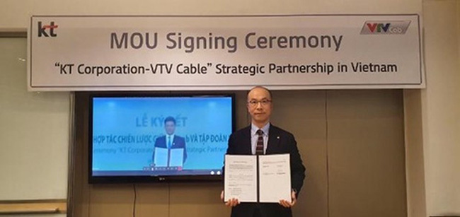 At the signing ceremony between KT Corp. and VTVcap.