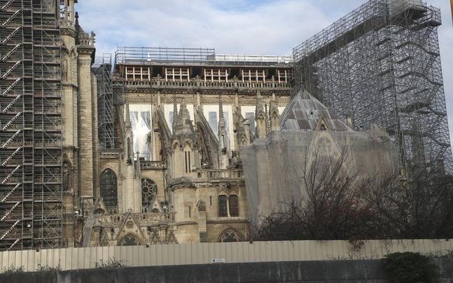 Việc xây dựng lại Nhà thờ Đức Bà có thể mất tới 20 năm - ảnh 5